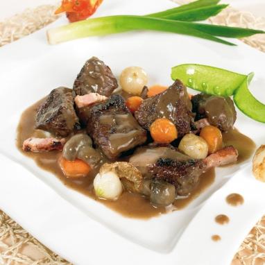 Le Boeuf de l'Aubrac en Bourguignon Cuisiné au Vin de Marcillac et aux Petits Légumes
