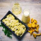 Petits Raviolis, Girolles Persillés et Sauce au Foie Gras