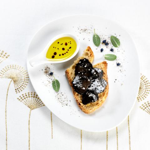 """""""Les Croustous"""" Carpaccio de Truffes Noires Extra du Périgord à l'Huie d'Olive 23 g"""