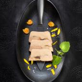 """""""Audacieuse Passion"""" de Foie Gras de Canard, Corail d'Oursin et Soupçon de Yuzu"""